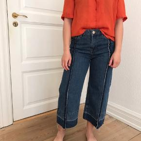 - Sælger disse fede jeans fra Zara - Som nye ⭐️ - Er man interesseret i skjorten, så kan den også købes!