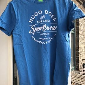 Hugo Boss t-shirt str M. God men brugt. Mp 150 kr. Kan sendes på købers regning eller afhentes på Østerbro.