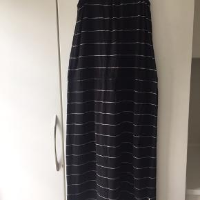 Skøn kjole med bindebånd str 158-164