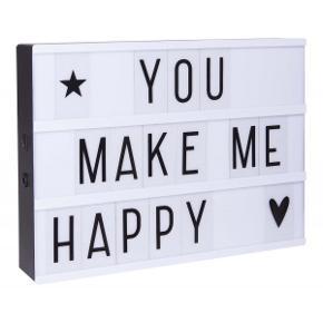 Helt ny A4 lightbox fra A little Lovly company inkl 85 bogstaver og symboler