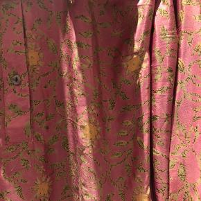 Smukkeste nye kjole i silke  Unika - kun én model af hver  Onesize