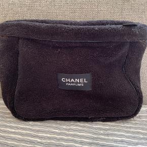 Chanel toilet- & kosmetiktaske
