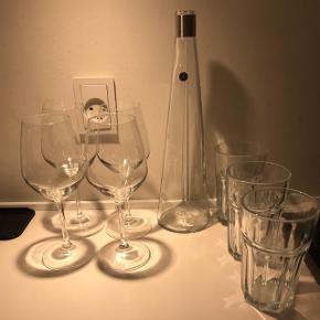 1x Vinkaraff Rosendahl4x vinglass 3x vandglass  Skal hentes i Valby