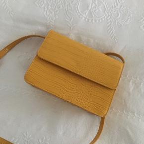 Gul taske fra Pieces💛efterligning af de populære tasker fra Hvisk💛#30dayssellout