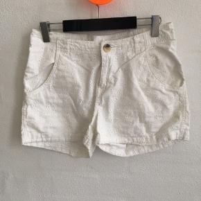Super cool shorts med smuk stof  Liv 2*36