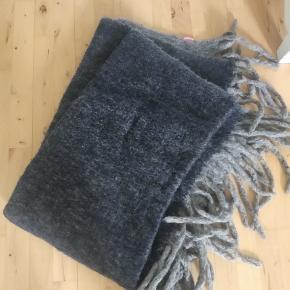 Lækkert uld tæppe
