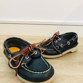 Timberland 'sailors' sko  Str. 24 Brugt ganske få gange. De har været pakket væk og en fundet frem under oprydning.   Mp 50kr