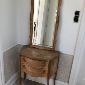 Spejl og kommode fx til entre . Sælges kun samlet