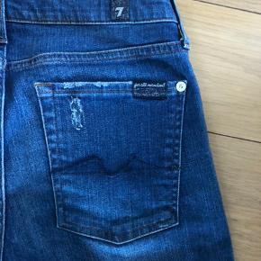 Super fede jeans str. 27 - se sidste billede for model.  Er som nye.