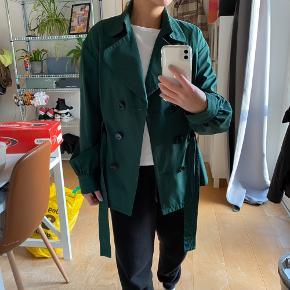 Mango Suit jakke  Har ingen fejl og derfor så god som ny  Byd gerne