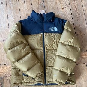 Sælger north face jakke i large. Brugt 5 gange, næsten som ny.