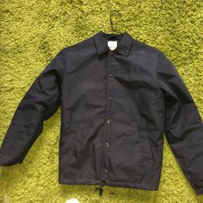 Wood Wood coach jacket  Virkelig fed jakke, som kan bruges til efterårs vejret  Brugt et par gange