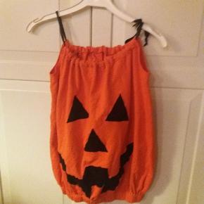 Græskar kjole. Fin til fastelavn eller halloween Str 4-6 år. Eget design