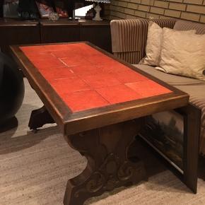Ældre retro bord sælges BYD Orange overflade sten