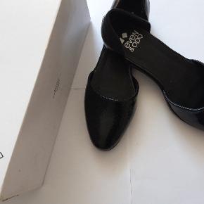 Ballerinasko fra Even&Od .Imiteret læder Aldrig brugt , er i original æske.