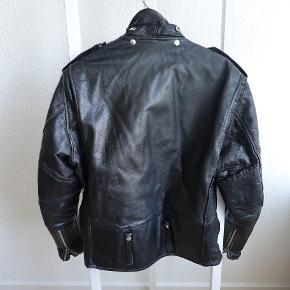 Vintage Harley Davidson MC leather jacket. Bought vintage from 118 Secondhand Läder in Stockholm. Good worn in condition with some tear in the lining. Heavy 100% leather.