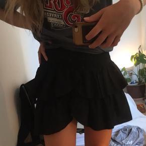 Neo noir nederdel Nypris 300kr☺️