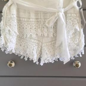 Brand Elana - købt i Italien   blonde shorts one size , med blød Jersey  linning passes fint af str 36/38 Bytter ikke, og handler gerne mobilpay