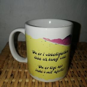 Diddle-kop med kærlig hilsen til modtager. Ingen skår eller afskaldning.