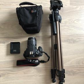 Sælger mit kamera Canon EOS 600D. Det er fra 2014, men næsten ikke brugt siden, og derfor i rigtig god stand, og fungerer som ny.  Med til den følger: kamera, SD-kort, kamerataske og stativ.  Åben for realistiske bud.