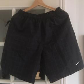 NikeLab shorts med refleks detaljer Helt nye - aldrig brugt  Kom med et bud eller check resten af mine annoncer - jeg giver mængderabat