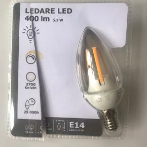 3 stk. elpærer fra IKEA - fejlkøb, derfor aldrig brugt dog i brudt emballage. Er A+ mærket med 6 kWh/1000h. Er LED og måned 38 x 104 mm