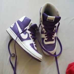 Lilla sneakers Nike
