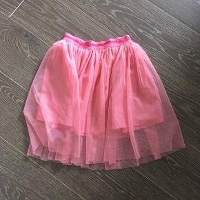 Cirkus summarum nederdel, aldrig brugt eller vasket.