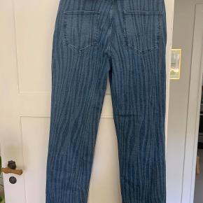 2ND ONE X Marie Jedig Jeans med zebra mønster i str 32. lange ben. aldrig brugt med prismærke nypris 700