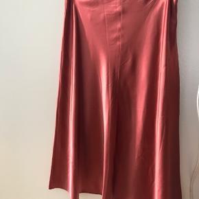 Knælang silke nederdel fra Samsø & Samsø 🌺 Brugt 2 gange