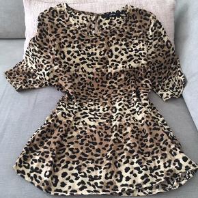 Sød Leo bluse fra Vero Moda 🌸 Str. XS