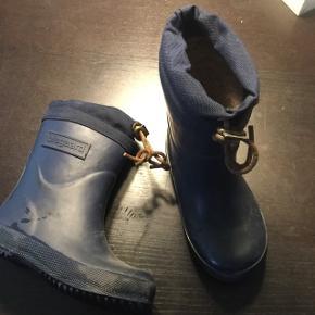 1572ba3c583 Blå termo gummistøvler str. 26Ikke brugt meget, da vi brugte  vinterstøvlerne mest. Ny