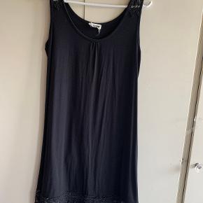 Queen Mum kjole