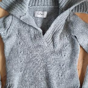 Lækker sweater i 80% uld og 20%alpaca. Fin stand