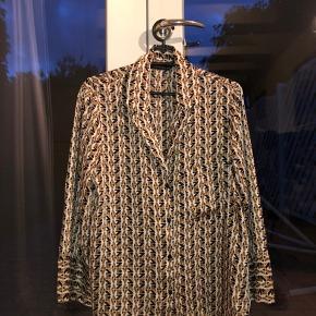 Flot skjorte fra Zara med trompetærmer🧡