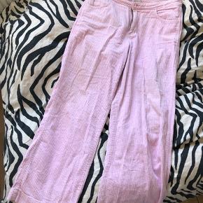 Fede Weekday fløjlsbukser i lyserød