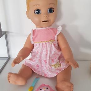 Luva Bella dukke sælges.  Så fin stand.  Nypris 900 kr  Sælges for 450 kr.
