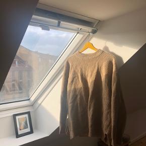 Fin, lysebrun Envii sweater. Godt brugt, men fejler intet🌟