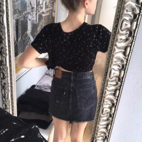 Levi's skirt w:26