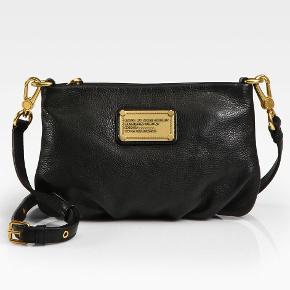 Sælger min Marc by Marc jacobs taske da jeg ikke bruger den længere - har passet rigtig godt på den og den er ikke ødelagt i læder overhovedet - man kan se at den er brugt da guldet er lidt falmet, men ellers er der intet galt med den.  Kom gerne med bud.