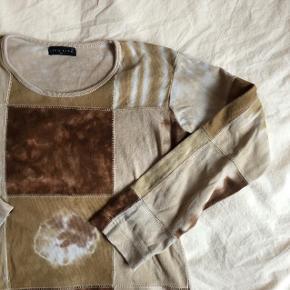 Dye effekt bluse tyk i materiale