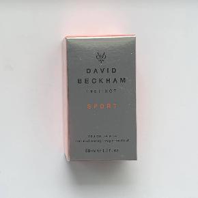 David Beckham Instinct Sport 50 ml. Jeg sælger denne ubrugte og uåbnede parfume. Jeg er villig til at forhandle om prisen, dog frabeder jeg mig useriøse bud.