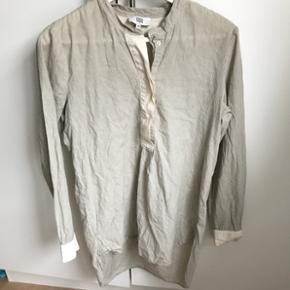 Lækker stor-skjorte / tunika fra Noa Noa😀Sand/råhvid stribet