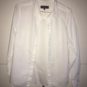 Selected skjorte i str 36. Næsten aldrig brugt! Sælges da den er blevet for lille.