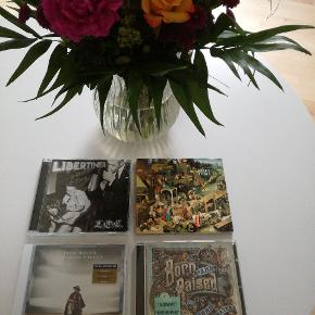 Fire fantastiske CD'er som er dubletter i samlingen. 25 kr stk. De er det værd! 😍🎵🎶  John Mayer: Paradise Valley John Mayer: Born And Raised Fleet Foxes: Fleet Foxes LOC: Libertiner