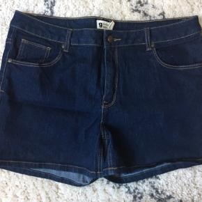 Virkelig fine shorts fra gina tricot størrelse 44 Aldrig brugte