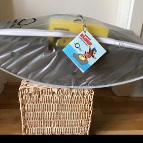 BOBLES - spar 200kr på julegaven Rasmus klumps skib Mary - der medfølger en lille bog  Ligger i pose  Vundet i konkurrence - vindermail kan vedlægges  Hentes i Rødovre eller Nørrebro