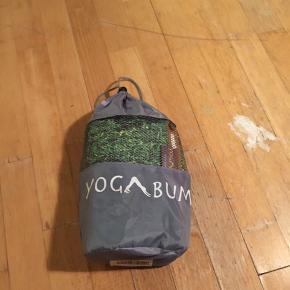 Yoga towel, beautiful grass design, not slippery..very nice quality.