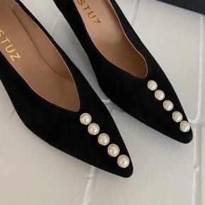 Smukke heels fra Gestuz. Aldrig brugt. Ingen bytte.