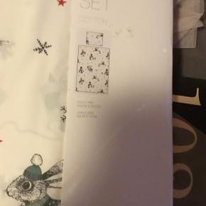 Sengesæt med jule/vinter motiv  Dyne str 140 x 200 cm Pude str 60 x 70 cm